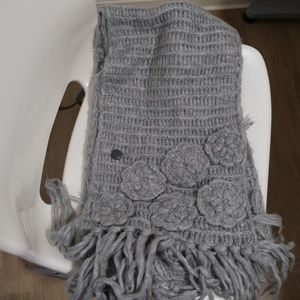 Grey Wool scarf, long and warm